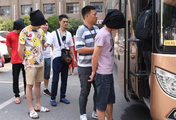 女大学生网贷7000元要还36万,警察跨省抓捕147人
